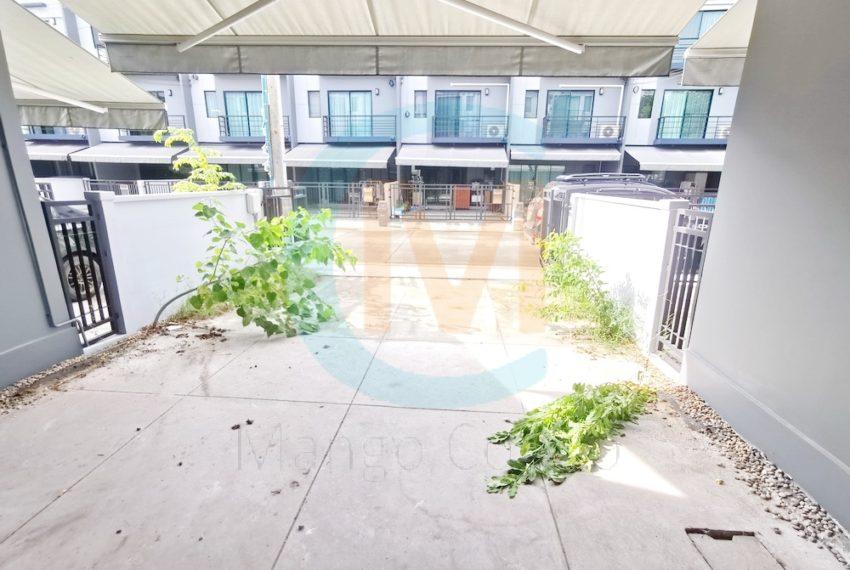 Townhouse Baan Klang Muang Rama 9 Onnuch (10)