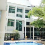 Luxury House Victory Monument For rent